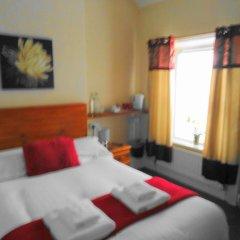 Отель Lyndhurst Guest House 3* Стандартный номер с двуспальной кроватью фото 2