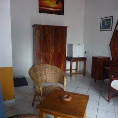 Отель Blue Ocean Villa Хиккадува комната для гостей фото 3