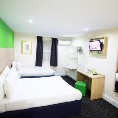 Queens Hotel 3* Стандартный семейный номер с различными типами кроватей фото 2