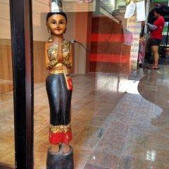 Отель Baan Tipa House Wanglang интерьер отеля