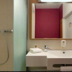 Отель B&B Hôtel Paris Romainville Noisy le Sec 2* Стандартный номер с двуспальной кроватью фото 4