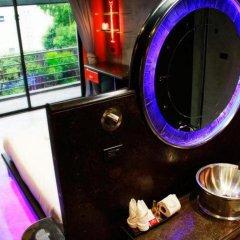 Nicky's Handlebar Hotel удобства в номере