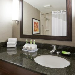 Отель Holiday Inn Express & Suites Bloomington - Mpls Arpt Area West 3* Стандартный номер фото 2