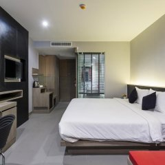At Patong Hotel 4* Номер Делюкс двуспальная кровать фото 14