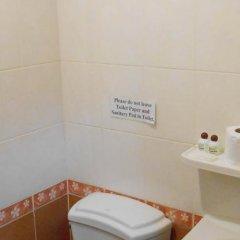 Отель Four Sons Village ванная фото 2