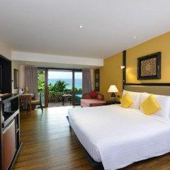 Отель Andaman White Beach Resort 4* Улучшенный номер с двуспальной кроватью фото 5