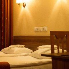 Амакс Визит Отель 3* Номер Бизнес с 2 отдельными кроватями фото 3