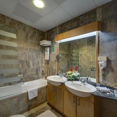 Al Khoory Hotel Apartments ванная фото 2