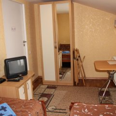 Гостевой Дом Людмила Апартаменты с разными типами кроватей фото 21