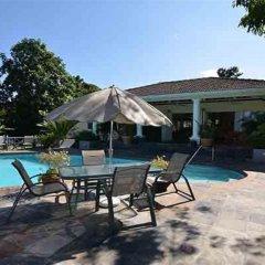 Отель Spicy Hill Villa бассейн