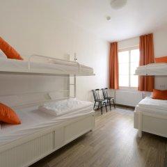 Отель Equity Point Prague Кровать в общем номере с двухъярусной кроватью фото 20