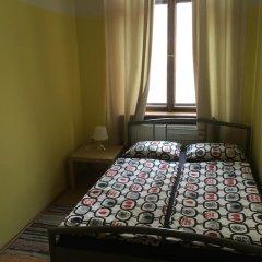 Hostel EMMA Стандартный номер с двуспальной кроватью (общая ванная комната) фото 2
