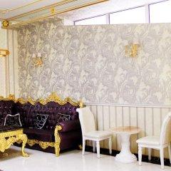 Отель Gold Boutique Rustaveli Грузия, Тбилиси - 1 отзыв об отеле, цены и фото номеров - забронировать отель Gold Boutique Rustaveli онлайн интерьер отеля фото 3
