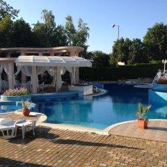 Отель Bellevue Hotel Болгария, Золотые пески - 5 отзывов об отеле, цены и фото номеров - забронировать отель Bellevue Hotel онлайн бассейн фото 2