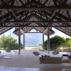 Отель Cocoon Maldives бассейн