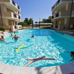 Отель Green Bay Village бассейн фото 2