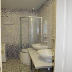 Гостиница La Belle Restoranno-Gostinichny Complex ванная фото 6