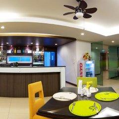 Отель Kris Residence Патонг гостиничный бар