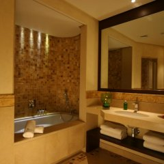 Kempinski Hotel Ishtar Dead Sea 5* Улучшенный номер с различными типами кроватей