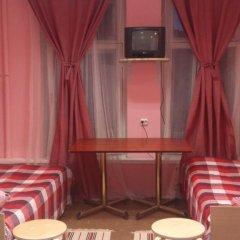 Мини-отель Лира Кровать в общем номере с двухъярусной кроватью фото 16