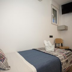 Отель Hostal CC Malasaña Стандартный номер с различными типами кроватей фото 7