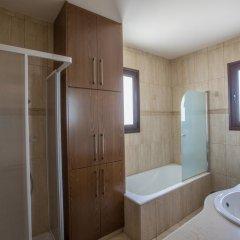 Отель Artemisia Villa ванная