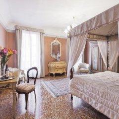 Отель Luxury Apartment in the Heart of Venice Италия, Венеция - отзывы, цены и фото номеров - забронировать отель Luxury Apartment in the Heart of Venice онлайн комната для гостей фото 5