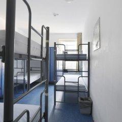 Hans Brinker Hostel Amsterdam Кровать в общем номере с двухъярусной кроватью фото 9