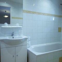 Отель Hôtel La Fiancée Du Pirate Франция, Ницца - отзывы, цены и фото номеров - забронировать отель Hôtel La Fiancée Du Pirate онлайн ванная фото 3