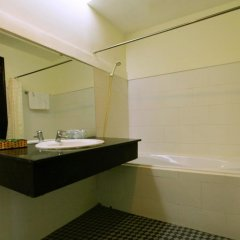 Cuong Long Hotel 2* Стандартный номер с различными типами кроватей фото 3