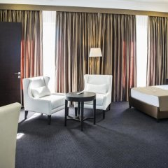 Отель Амбассадор 4* Стандартный семейный номер с двуспальной кроватью фото 5