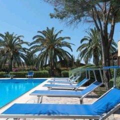 Отель Seafront Villas Италия, Сиракуза - отзывы, цены и фото номеров - забронировать отель Seafront Villas онлайн бассейн фото 2