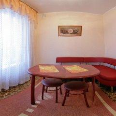 Гостиница Шахтер 3* Студия с разными типами кроватей фото 5