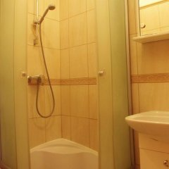 Hostel Bursztynek ванная