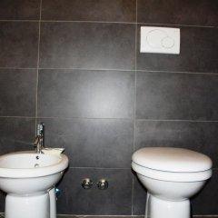 Отель Salotto Piramide B&B Стандартный номер с двуспальной кроватью (общая ванная комната) фото 9