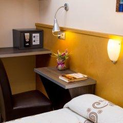 Отель Hostal Barcelona Стандартный номер с различными типами кроватей фото 11