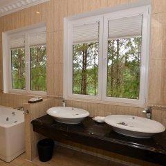 Отель Dalat Edensee Lake Resort & Spa 5* Номер Делюкс фото 16