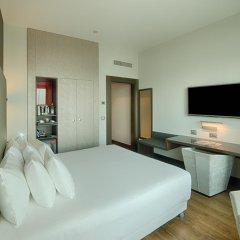 Отель NH Collection Milano President 5* Улучшенный номер с двуспальной кроватью фото 2