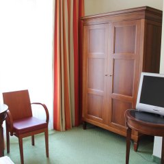 Hotel Deutsches Theater Stadtmitte (Downtown) 3* Стандартный номер с различными типами кроватей фото 24