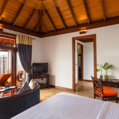 Отель Olhuveli Beach And Spa Resort 4* Вилла с различными типами кроватей фото 2