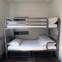 Отель St Christophers The Inn - London Bridge Кровать в общем номере с двухъярусной кроватью фото 9