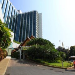 The Empress Hotel Chiang Mai парковка
