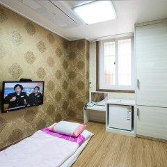 Отель Myeongdong ECO House удобства в номере