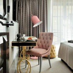 Отель Hôtel Baume 4* Улучшенный номер с двуспальной кроватью фото 4