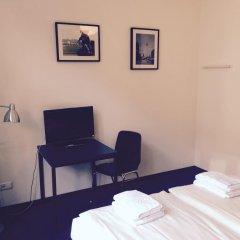 Hotel 103 2* Стандартный номер с двуспальной кроватью