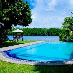 Отель Okvin River Villa бассейн