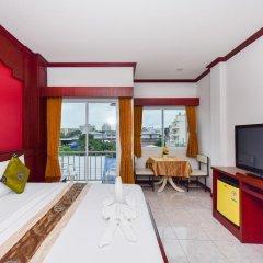 Отель Art Mansion Patong 3* Улучшенный номер с двуспальной кроватью фото 8