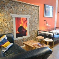 Kiez Hostel Berlin Кровать в мужском общем номере с двухъярусной кроватью фото 2