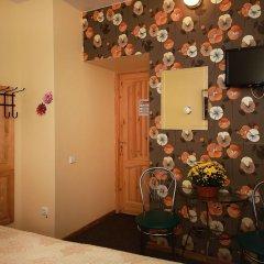 Отель Sleep In BnB 3* Стандартный номер с двуспальной кроватью (общая ванная комната)