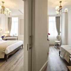 Mirrors Hotel 4* Люкс с различными типами кроватей